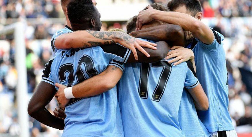 esultanza giocatori Lazio dopo una rete