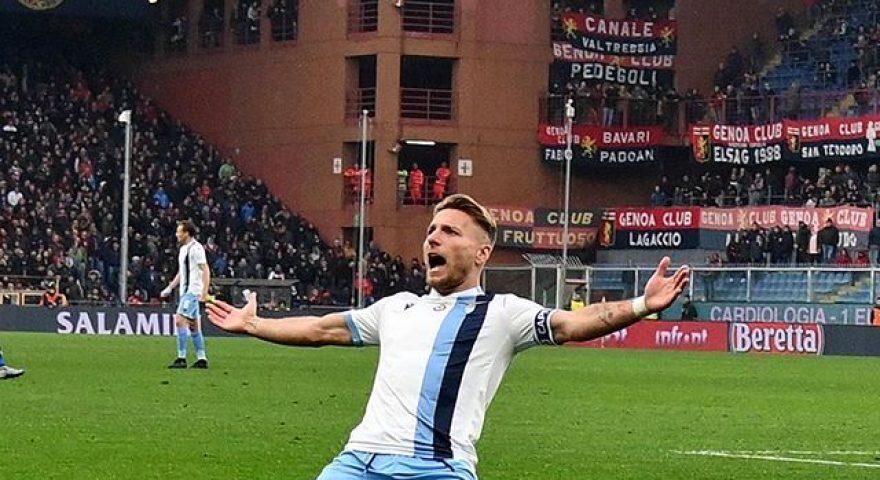 Immobile esulta dopo il goal al Genoa