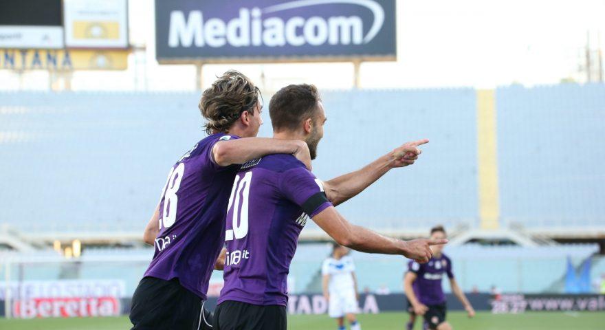 Pezzella festeggia con Valhovic dopo il goal