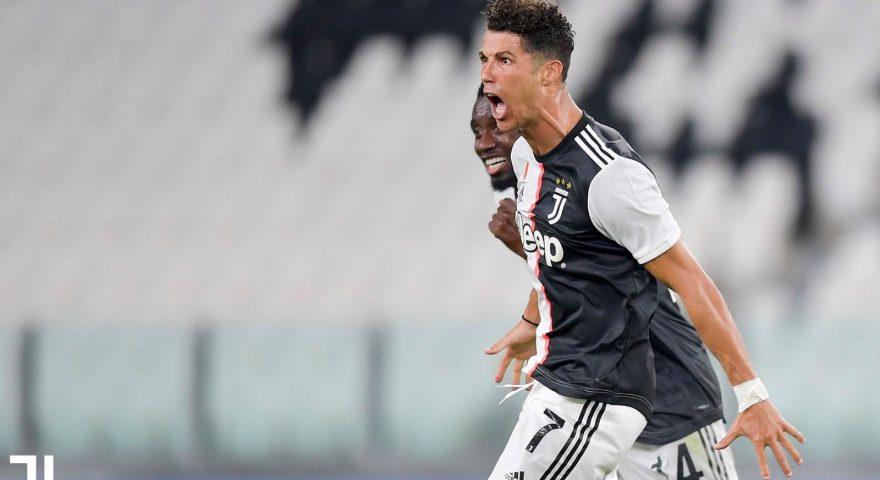 Ronaldo festeggia dopo il goal