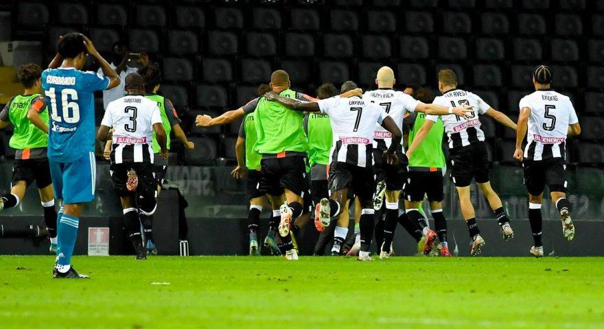 Esultanza Udinese dopo il goal alla Juve