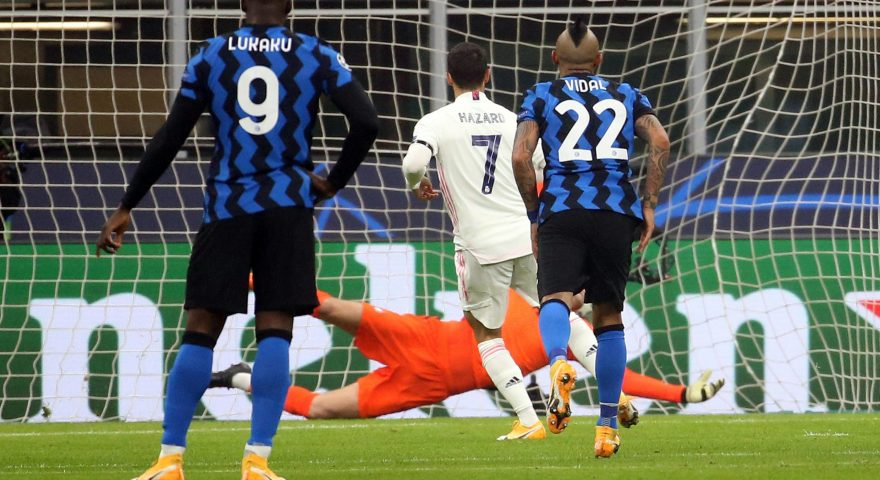 Real MadridÕs Eden Hazard scores on penalty against Inter MilanÕs goalkeeper Samir Handanovic goal of 0 to 1 during the UEFA Champions League Group B soccer match between Inter and Real Madrid Fc  at Giuseppe Meazza stadium in Milan 21 October 2020.ANSA / MATTEO BAZZI